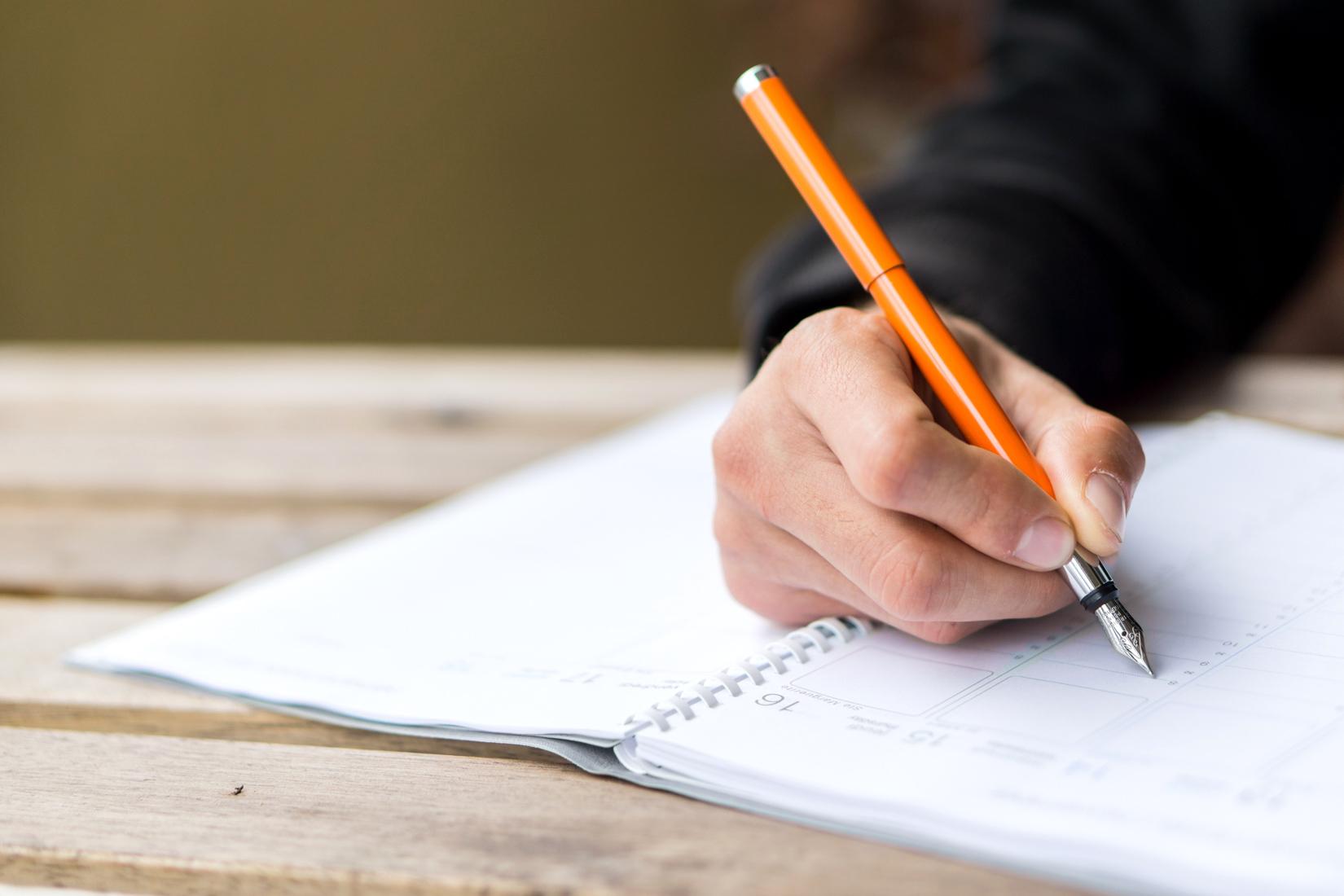 stylo-plume-avantages-article-blog-oberthur-lifestyle-papeterie-ecriture