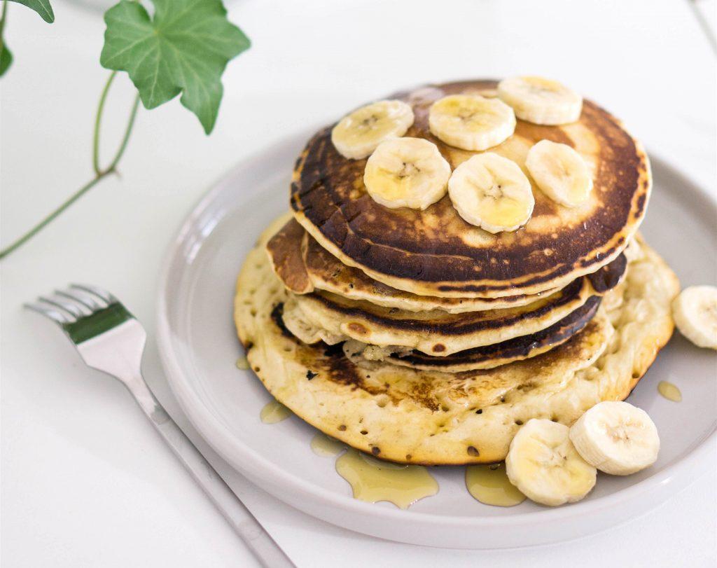 2-saintvalentin-petitdejeuner-pancakes-banane-jusdorange-rennes-conseils-article-blog-oberthur-lifestyle-papeterie-rennes