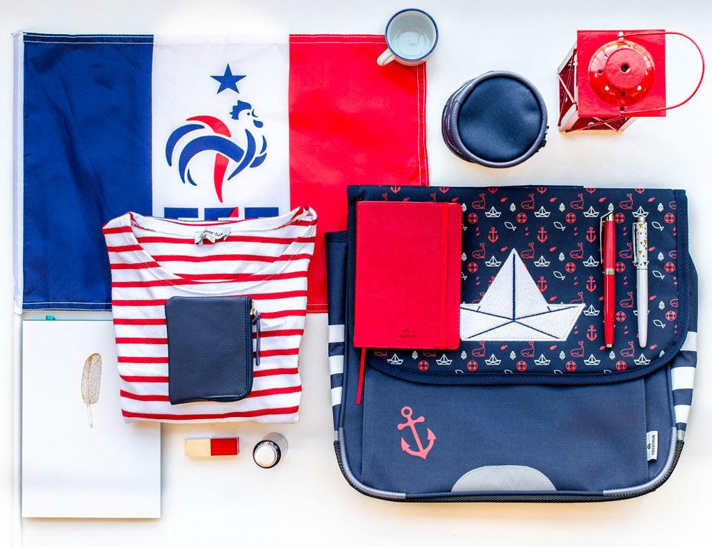 coupe-du-monde-equipe-france-cartable-mariniere-carnet-papeterie-maroquinerie-stylo-drapeau-bleu-blanc-rouge-oberthur-rennes