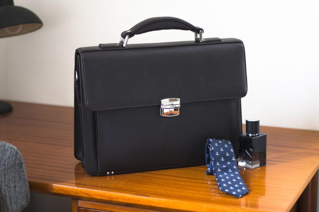 3-blog-oberthur-maroquinerie-cartable-homme-classique-businessman